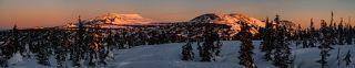 03 ... спустя ещё 10 минут розовые лучи солнца уже заливают вершины гор Курган и Мустаг