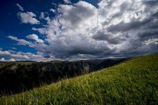 Джунгарский или Семиреченский Алатау - это горная система в юго-восточной части Казахстана, на границе Китаем.