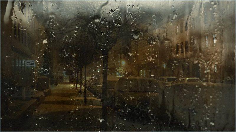 foto liubos, вечер, дождь, улица, город, германия, бранденбург .. а за окном, то снег... то дождь...photo preview