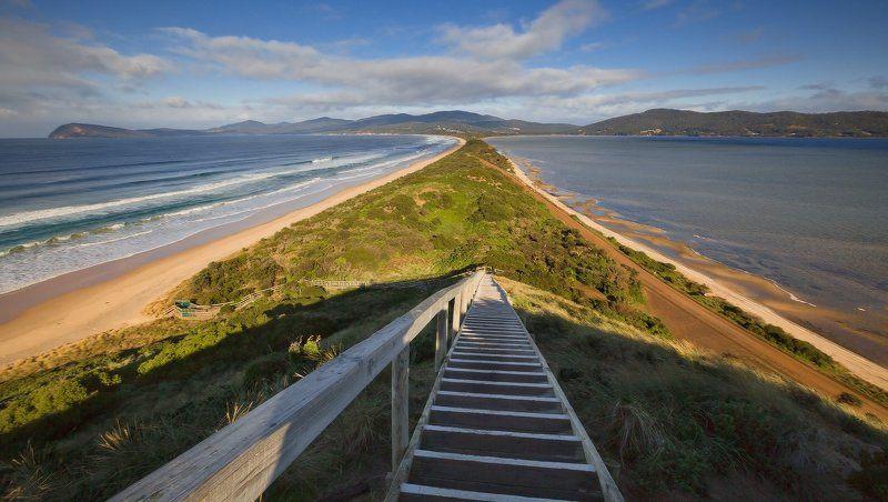 Bruny Island Tasmania Australia Прямо пойдешь - коня потеряешь, а налево - направо ... утоПНешьphoto preview