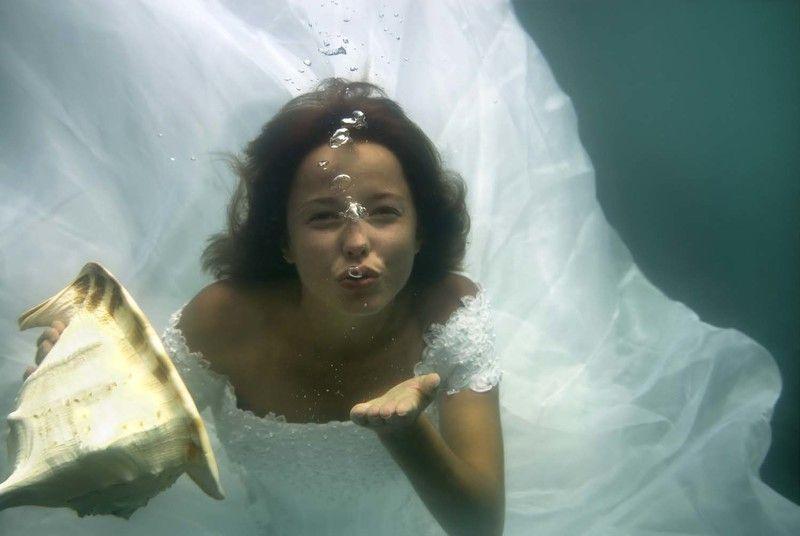чёрное море, девушка, раковина Подводный поцелуй.photo preview