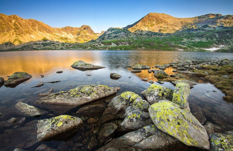 glacier lake, lake, mountain, stone, sunrise Bucura Glacier Lakephoto preview