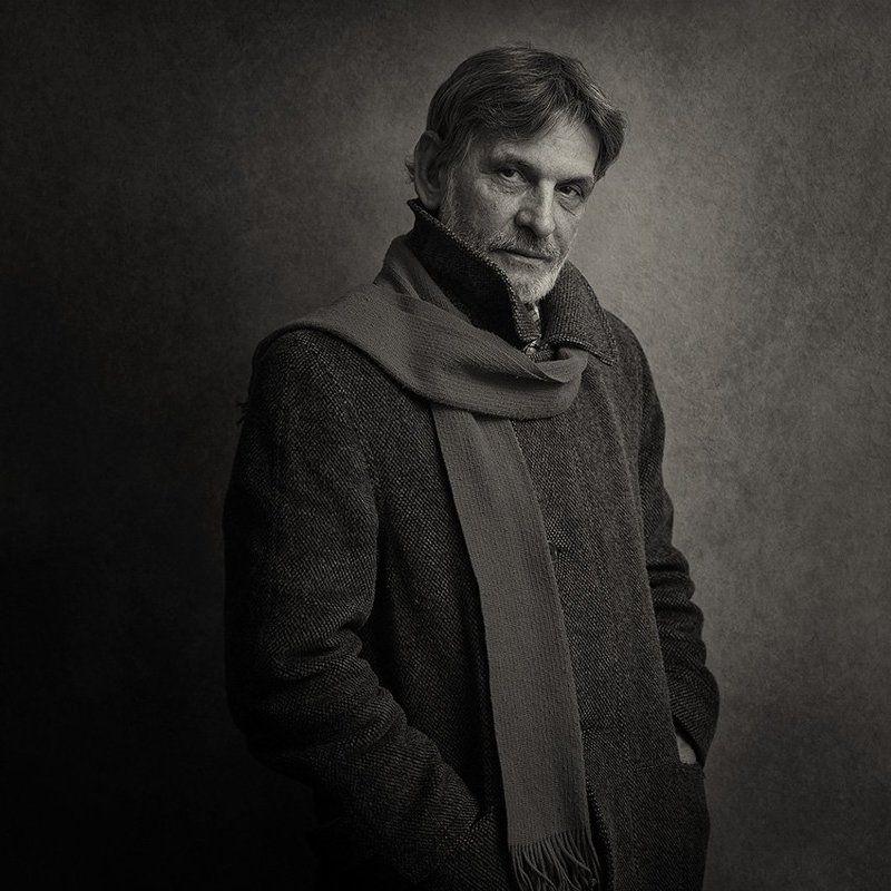 Мужской портретphoto preview