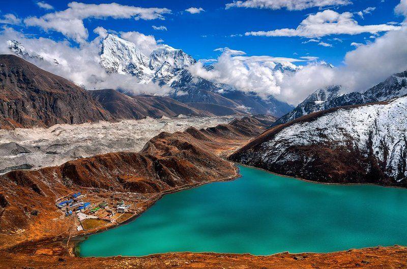 Бирюзовое озеро Дудх Покхари, Гималаиphoto preview