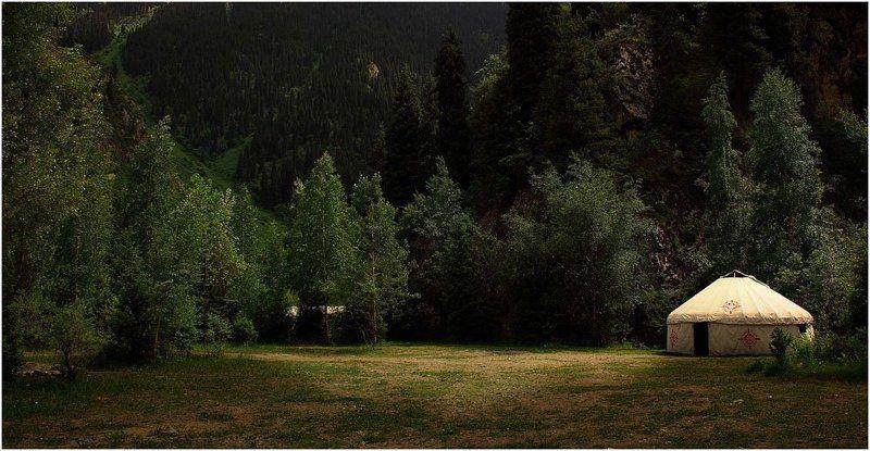 иссык, горы, юрта Иссыкphoto preview