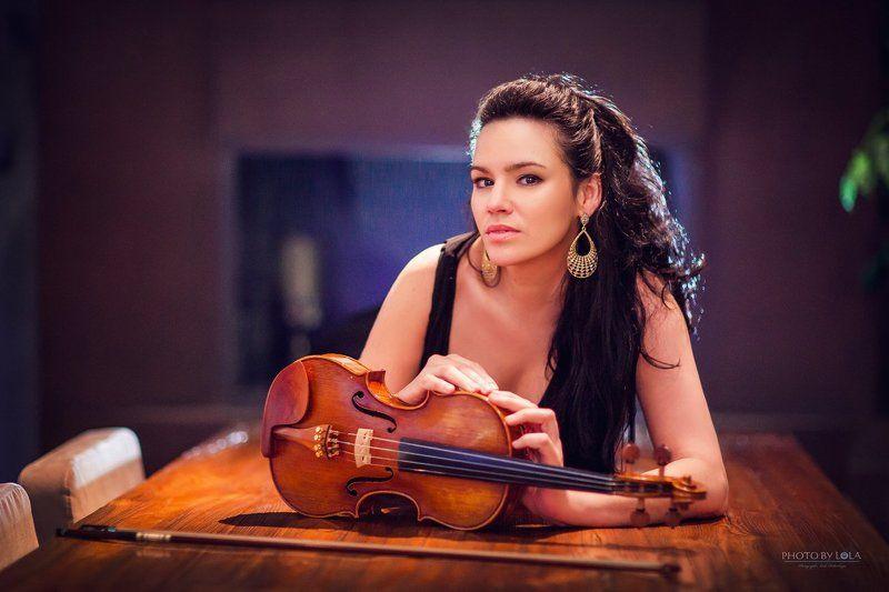 Violinist Ivet Curbelophoto preview