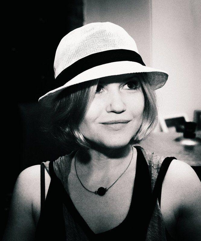Дама в шляпке)photo preview