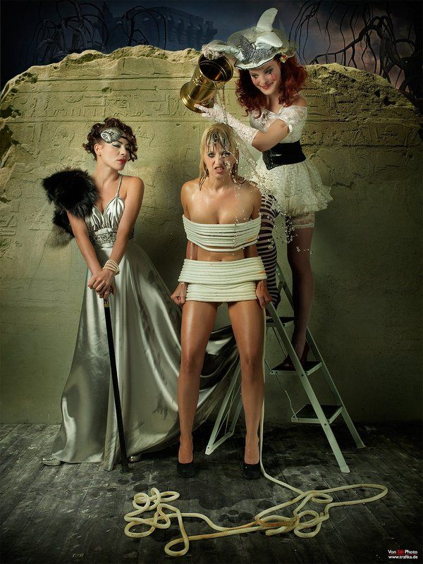 Rope, lady, harlequin, blonde, n Epoche Circle Challengephoto preview