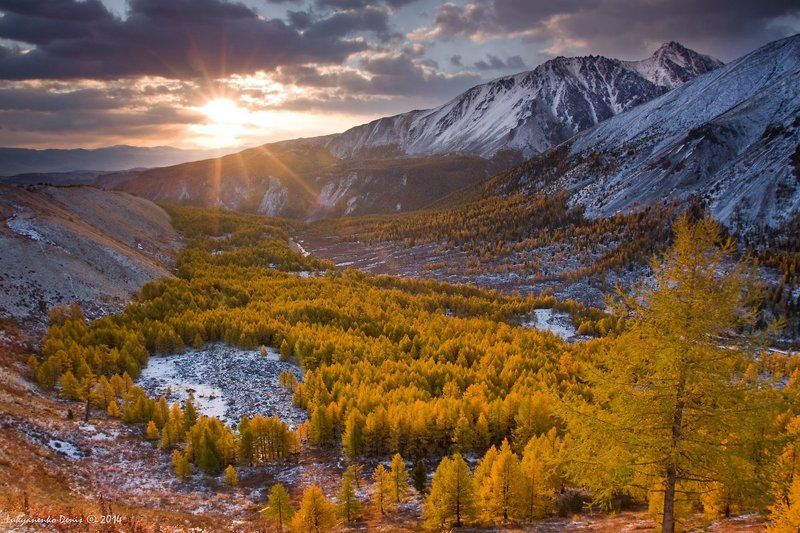 2014, Алтай, Горы, Деревья, Долина, Осень, Россия, Сентябрь, Снег, Солнце, Тучи Сокровище Алтаяphoto preview