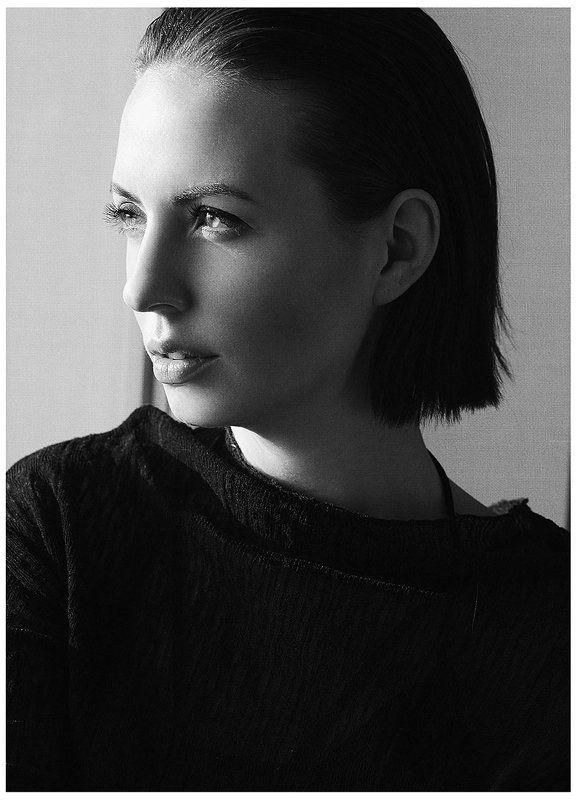 портрет девушка монохром глаза свет Прозрачнаяphoto preview