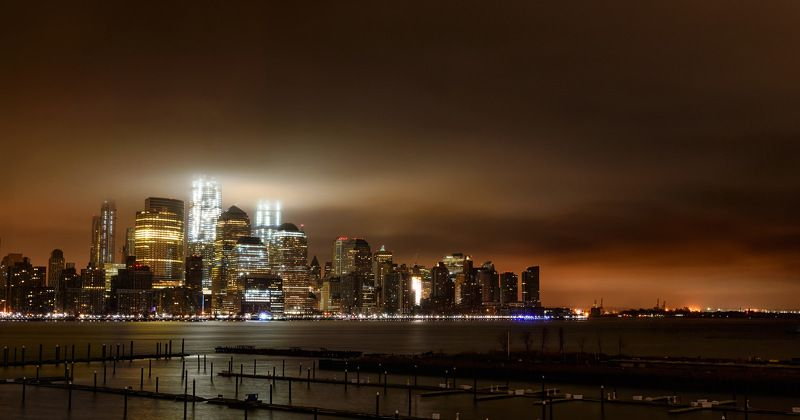 NYC, wtc, evening, lights, clouds Glowphoto preview