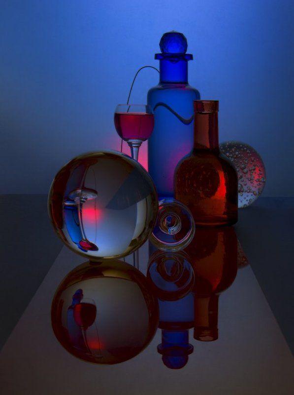 Красное на синем....photo preview