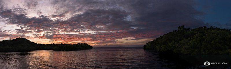Раджа Ампат, панорама, закат, вода, море, небо Закатнаяphoto preview