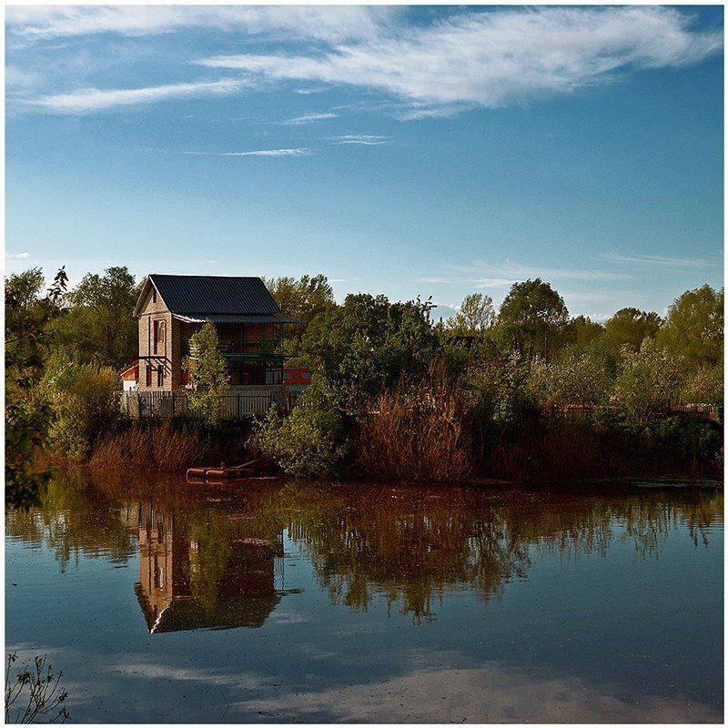 Дом у озераphoto preview