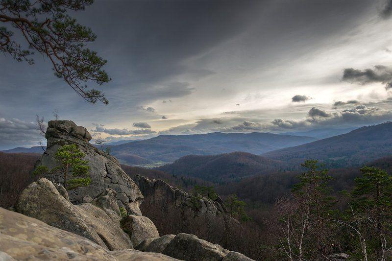 горы, карпаты, небо, скалы, тучи С высоты...photo preview