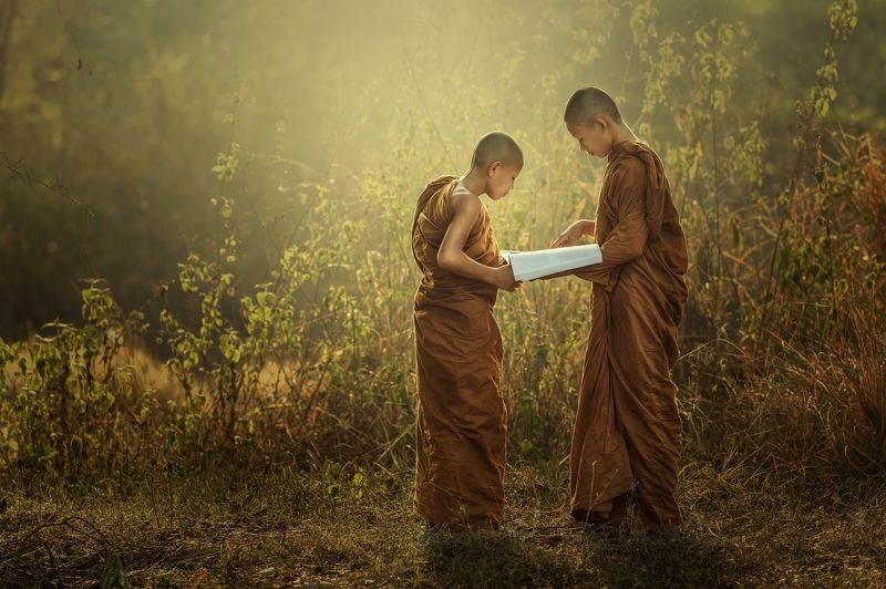 monk, buddhist, young, outdoor, robe, street, pilgrimage, cultural, burma, view, boy, red, burmese, culture, walking, summer, myanmar, novice, morning, people, poor, one, ethnic, traditional, buddhism, asia, belief, religious, portrait, small, poverty, tr Novice Monk teaching.photo preview