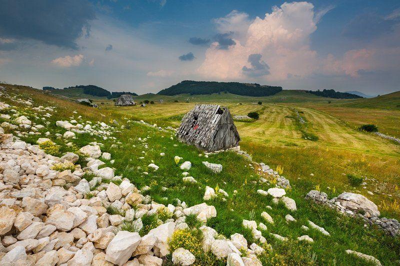 Дурмитор, Черногория По дороге в Дурмитор (Черногория)photo preview