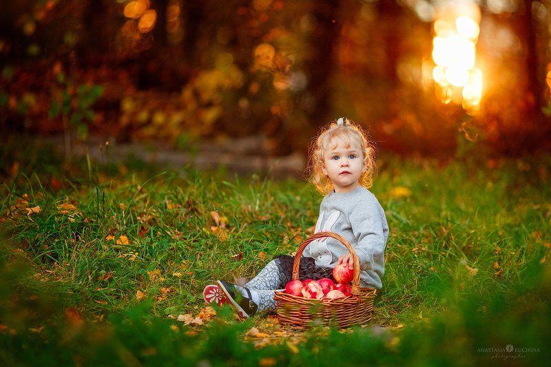 девочка, осень, лес Осенняяphoto preview