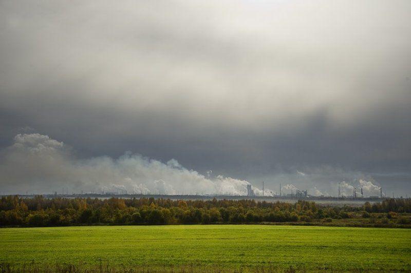 череповетский завод,металургия,дым,облака,солнце,контровик, Небесные ужасы Череповцаphoto preview