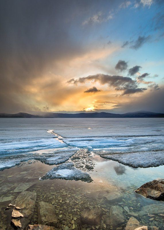 южный, урал Закат на озере Тургоякphoto preview