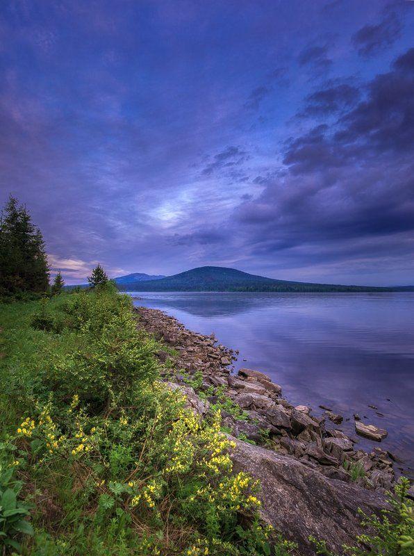 Зюраткуль, Южный Урал, озеро, рассвет, горы, лето Встречая утроphoto preview