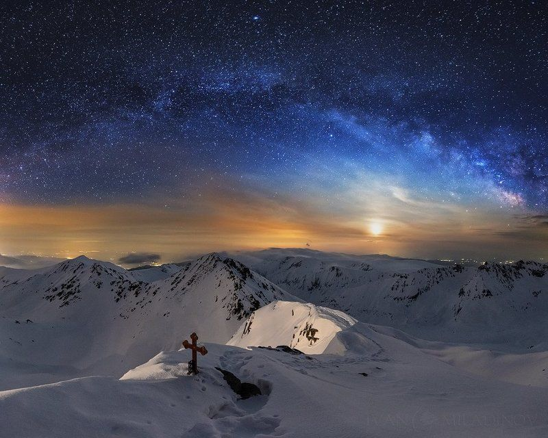 българия, зима, кръст, winter, sky, milky way Rising moonphoto preview