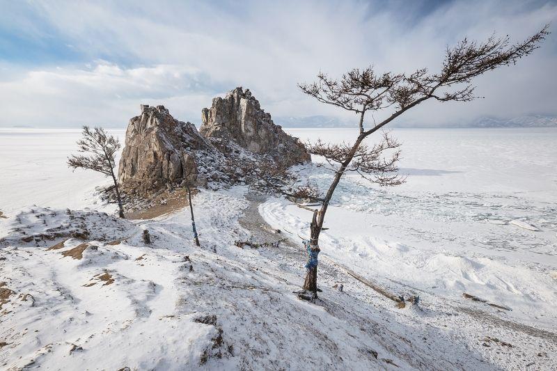 Бурхан, Шаманка, лед,Байкал, Малое Море Шаманка в беломphoto preview