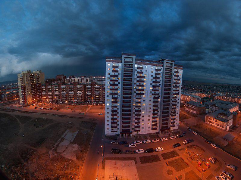 город, пейзаж, высотка, здания, квартал, огни, вечер, улица, двор С балкона...photo preview