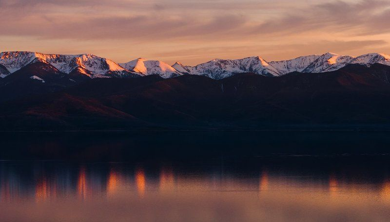 озеро, Байкал, пейзаж, природа, горы, вершины, снег, Хамар-Дабан, вода, гладь, закат Вечерний Байкалphoto preview