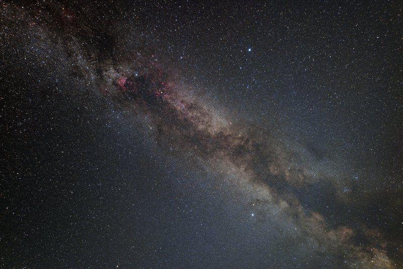 Космос, Млечный Путь, Денеб, Вега, Альтаир Летний треугольник - астеризм Северного полушарияphoto preview