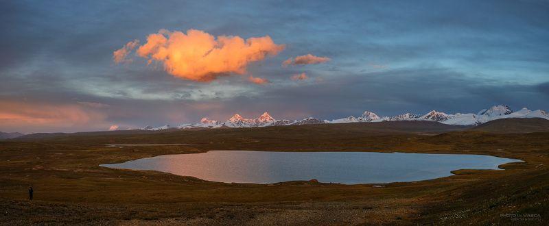 Киргизия, горы, закат, облако, озеро, Данкова пик Небесная проекцияphoto preview