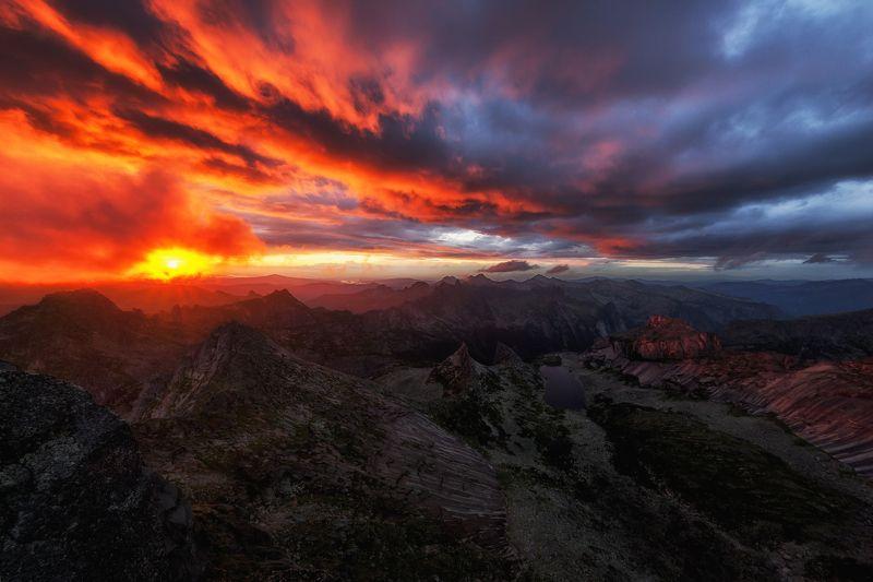 Закат,  панорама, ергаки, пейзаж, природа Красное по синемуphoto preview
