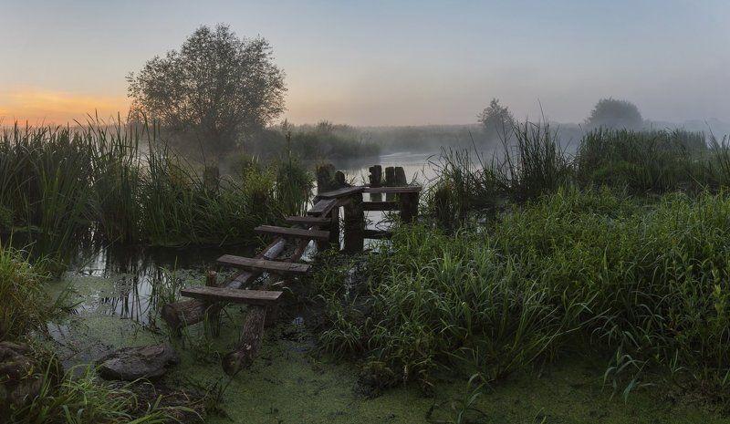 Утро у старого моста на Царевкуphoto preview