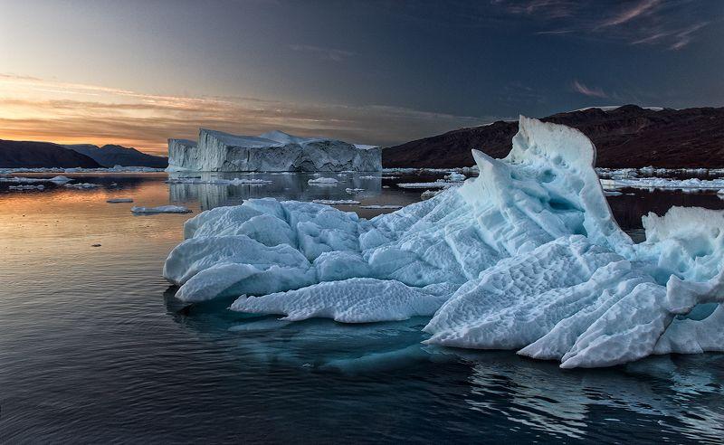 гренландия, арктика, айсберги Лето на 70-й параллелиphoto preview