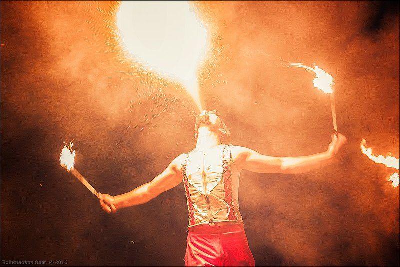 Fire-Show, Strobos Fire-Showphoto preview