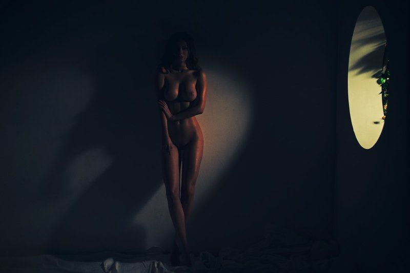 nude In the tropicsphoto preview