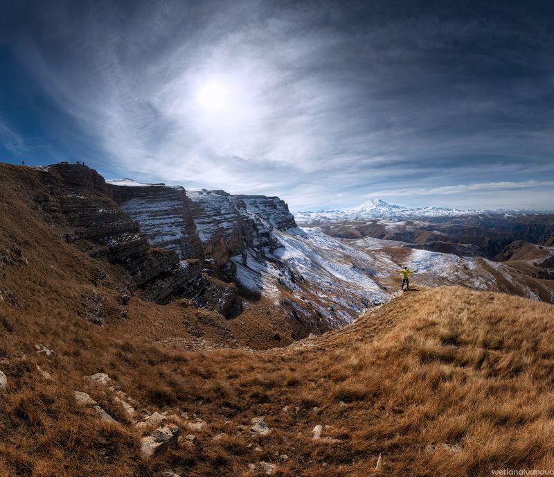гало, канжол, эльбрус Солнечное гало над плато Канжолphoto preview