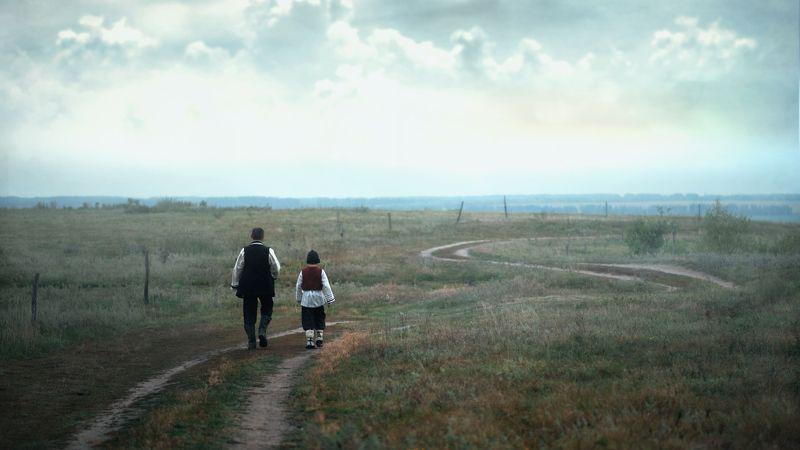 портрет жанр отец сын поле дорога деревня Парышков Сергей Отец и сынphoto preview