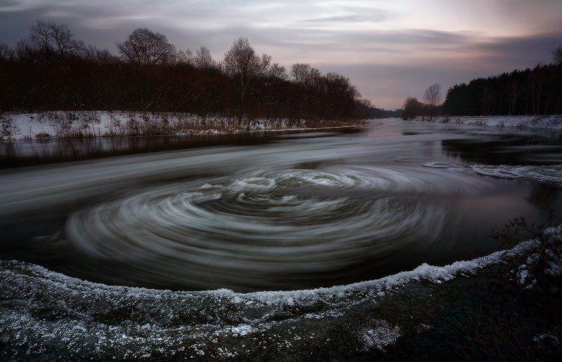 вечер, декабрь, зима, лед, река Крошечных айсбергов медленный сплав.photo preview