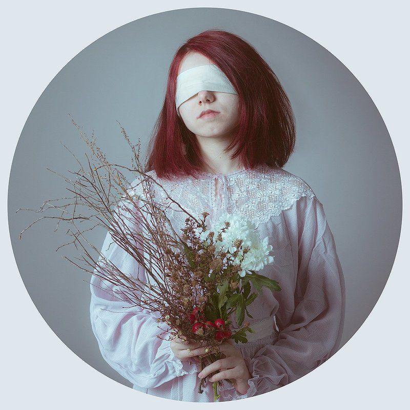 портрет, девушка, цветы Меланхолияphoto preview