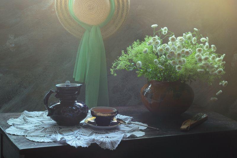 цветы, зелень, шляпа, свет, зеленый чай, веер, интерьер. декор, натюрморт летний Натюрморт с летней шляпойphoto preview