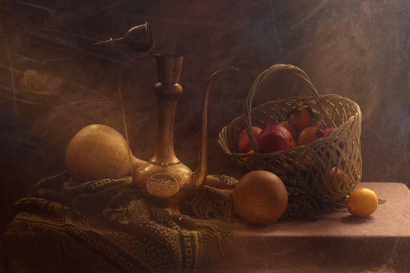 тыквы лечебные, фрукты, корзина, кумган, свет, бронза Натюрморт с корзиной фруктов и кумганомphoto preview