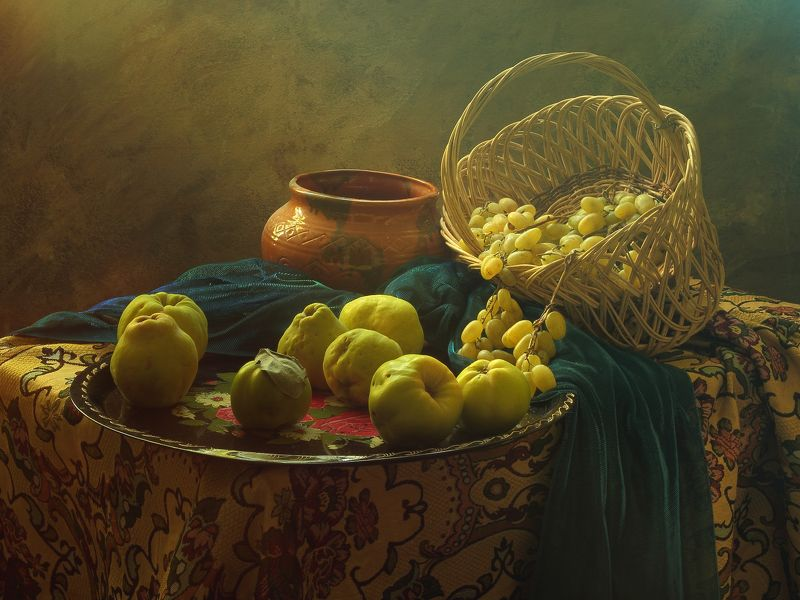 фрукты,айва,виноград,ваза,корзина,декор,интерьер,домашний стиль Натюрморт с айвойphoto preview