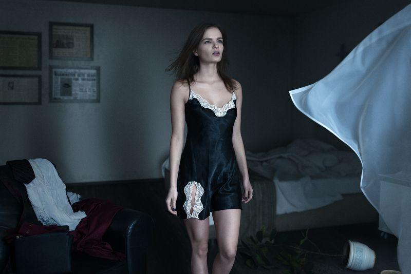 свет,ночь,девушка,комната,ветер,мистика,Парышков,Parishkov Свет в ночиphoto preview