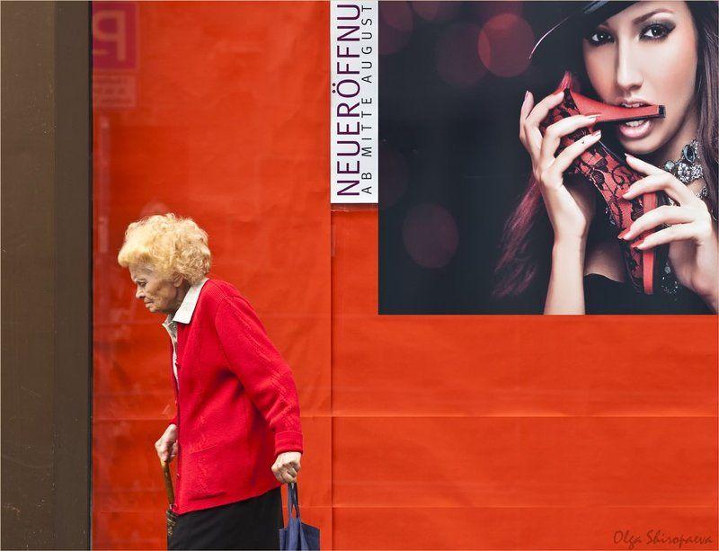 нюрнберг, фрау, афиша Любовь к красному. фото превью