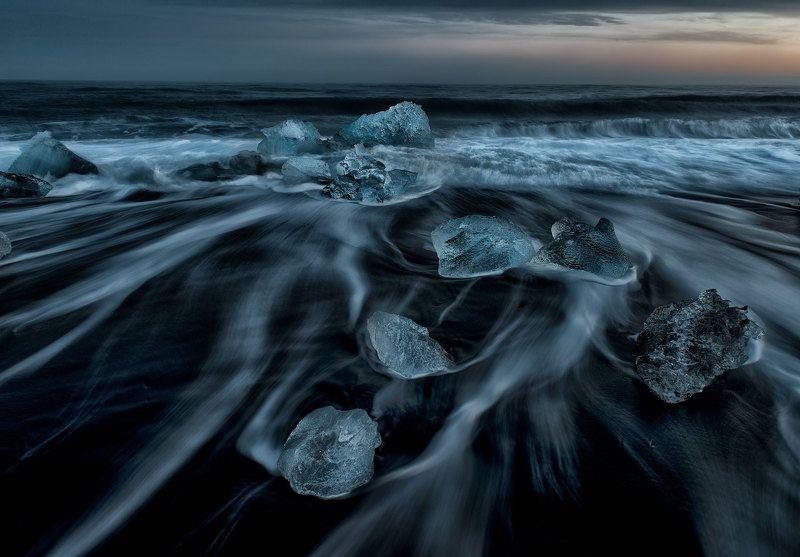лед. море. волны. исландия. вулканический песок Волшебные льдинкиphoto preview