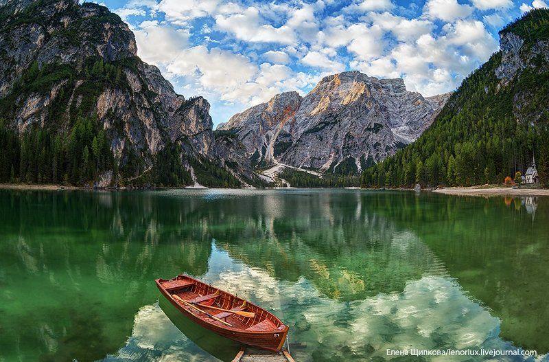 Озеро Браиес. Доломитовые Альпыphoto preview