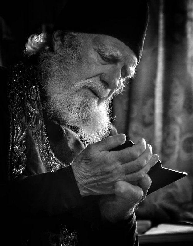 Портрет, лица, жанровый портрет, Roman Mordashev photography, Черно белая фотография Отходная молитваphoto preview
