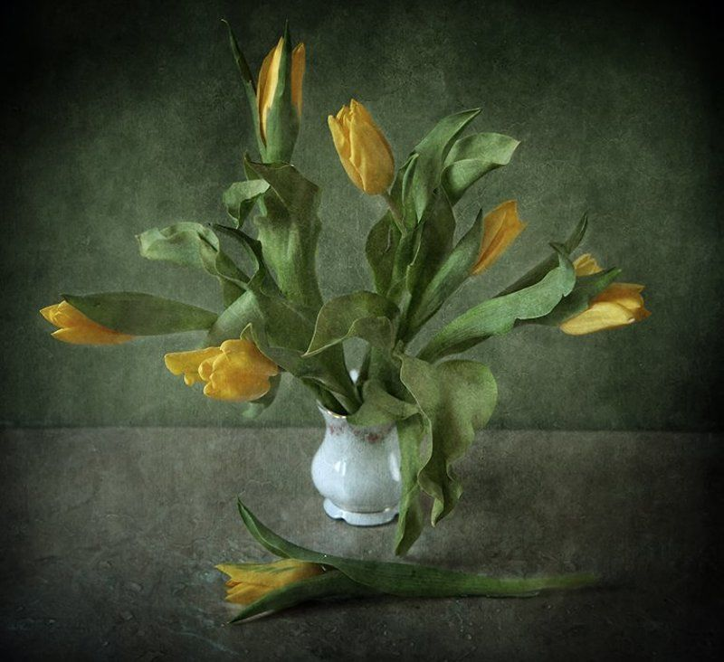 Букет желтых тюльпановphoto preview