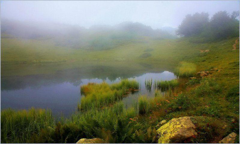 горы озеро туман Туман над озеромphoto preview